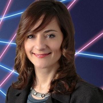 Laura Lippay